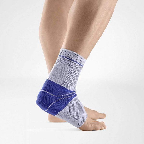 Fuß-mit-Bandage-von-Bauerfeind-Achillotrain
